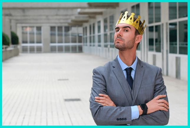 Амбициозность - одна из черт токсичного начальника