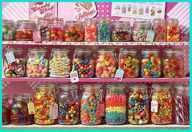 Откройте в маленьком городе магазин сладостей