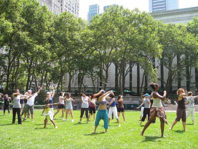 Преподавание танцев в парке