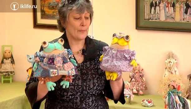 Пенсионерка, зарабатывающая на куклах