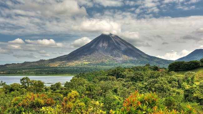 Вулкан Ареналь